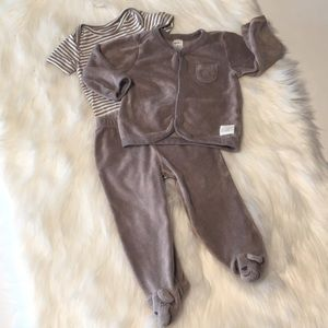 Carter's brown terry cloth outfit/onesie Size 9M